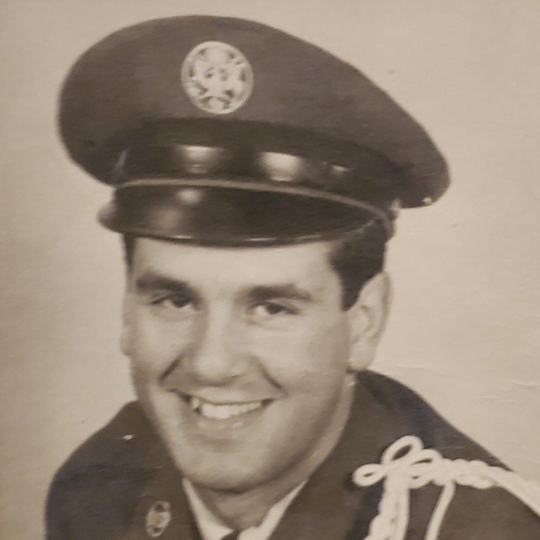 Edward Simas military photo.