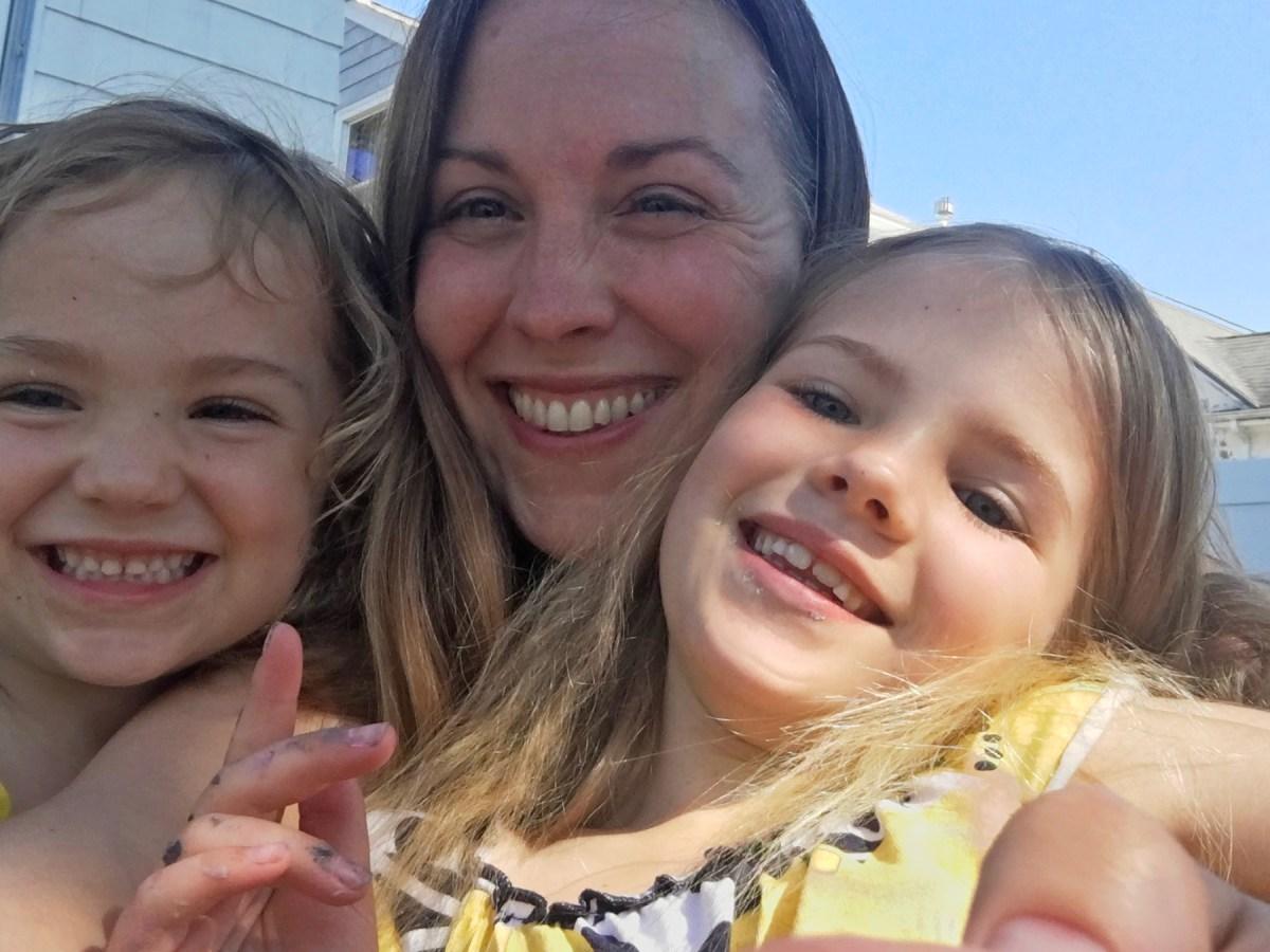Rachel Dzengelewski with her two daughters.