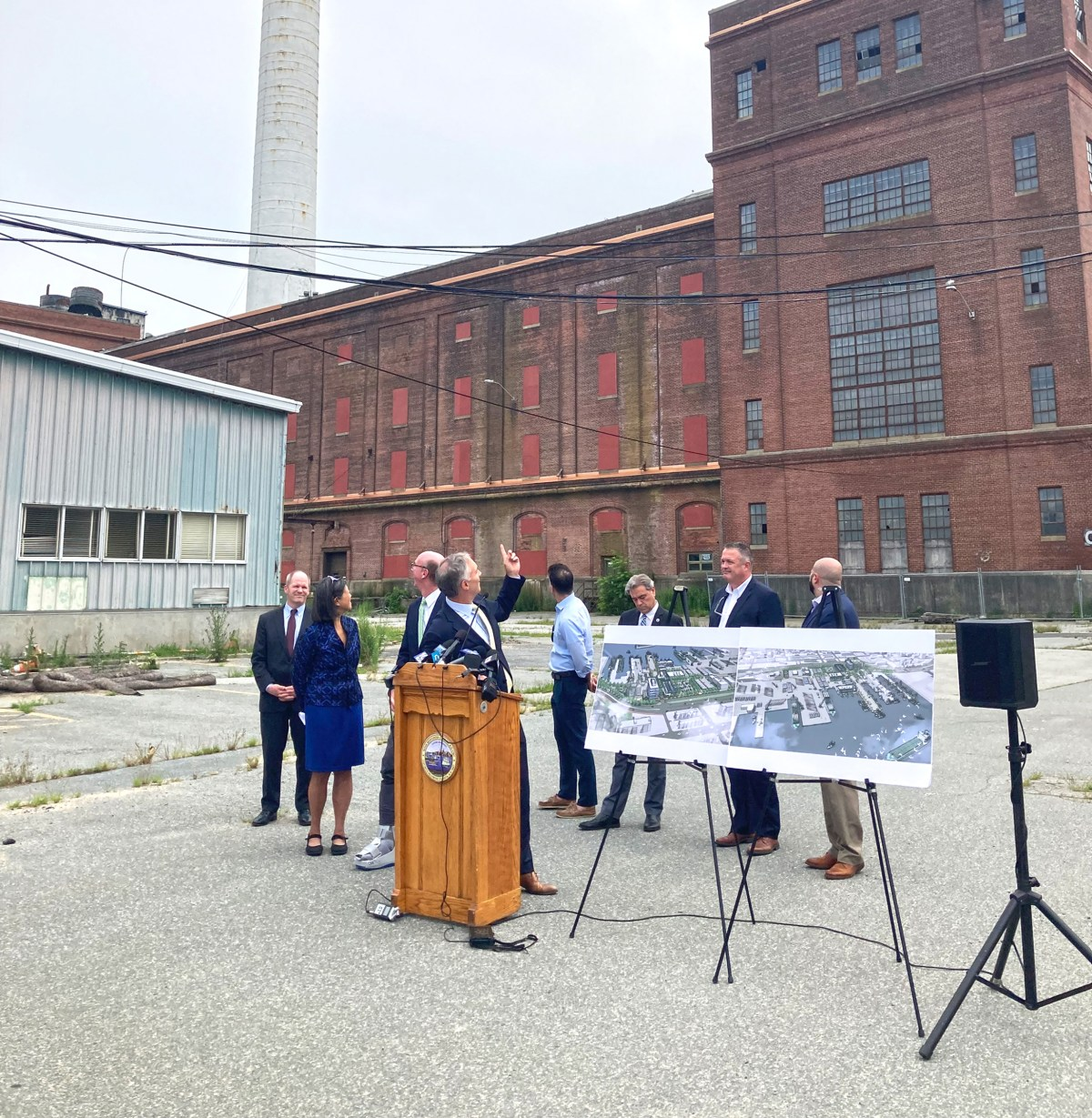 Mayoral press conference at Cannon Street Power Station.
